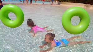 Inflatable Tubes For Toddlers by Kids Pool And Fun Inflatable Ring Floats Water Park Youtube