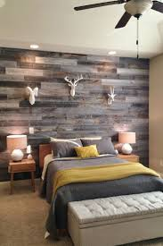Ideas For Decorating A Bedroom Wall by Best 25 Rustic Chic Bedrooms Ideas On Pinterest Rustic Chic