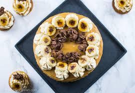 bananen torte mit karamellisierter weißer schokolade