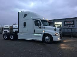 100 Use Trucks 2015 D Freightliner Cascadia Evolution Certified Warranty