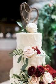 Simple Rustic Winter Wedding Cakes Ideas 14