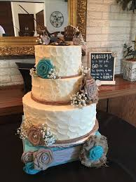 Rustic Chic Country Style Wedding Cake Buttercream Icing Fresh Babies Breath