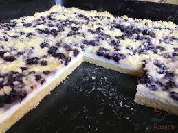 einfacher blechkuchen mit quark heidelbeeren und streuseln
