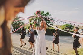 ruban pour noeud de chaise le ruban une alternative originale au lancer de bouquet