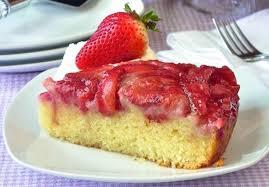 dessert aux fraises recette facile de gâteau renversé aux fraises