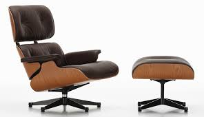Vitra – Eames Lounge Chair - Design Charles Et Ray Eames, 1956 Charles Eames Chair Stock Photos Herman Miller Alinum Group Side Outdoor Management Classic Lounge Ottoman In Whipigmented Walnut White Leather Ea 108 Alinium Armchair Black Polished Base Vitra 222 Soft Pad Wwwmahademoncoukspareshtml Tall Ash Chairs 117 118 119 Design Et Ray