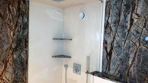 naturstein im bad wellness atmosphäre fürs badezimmer