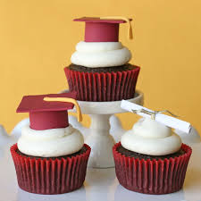 Graduation Table Decorations To Make by Graduation Cupcakes And How To Make Fondant Graduation Caps