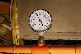 How to Adjust a Home Water Pressure Regulator
