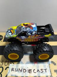 100 Team Hot Wheels Monster Truck Run Diecast