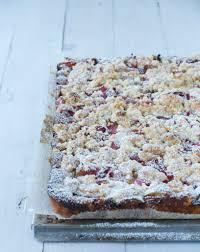 rhabarber erdbeer kuchen mit knusprigen streuseln