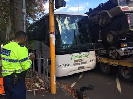 100 Truck Central And Bus Collide On Central Auckland Street NZ Herald