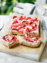 strawberry ripple shortbread slice