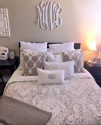 Best 25 Apartment Bedroom Decor Ideas On Pinterest College