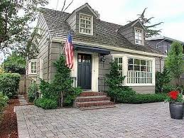 Pictures Cape Cod Style Homes by Best 25 Cape Cod Cottage Ideas On Cape Cod Exterior