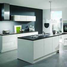 cuisine blanche avec ilot central cuisine modena ixina kitchens cuisine and black painted walls
