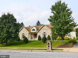 Railroad House Bar Sinking Spring Pa by Reading Pa Real Estate Reading Homes For Sale Realtor Com