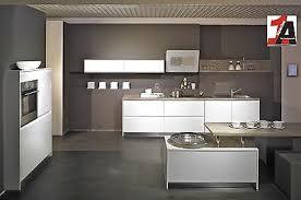 design küche in weiss grifflos mit siemensgeräte garantie u