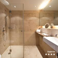 hotel badezimmer aus naturstein jura living guide europe