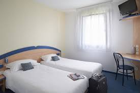 chambre a louer pas cher reserver chambre avec lits jumeaux pour 2 personnes à créon