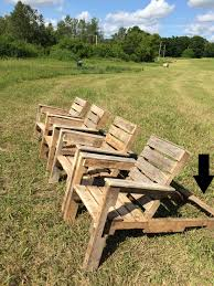 Pallet Adirondack Chair Plans by Free Diy Shipping Pallet Chair Plans