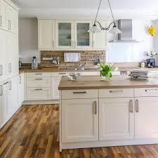 moderne küche im landhausstil beispielhaus ratgeber
