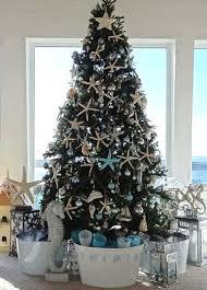 Coastal Christmas Tree Decorating Ideas 09 1 Kindesign