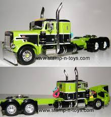 100 Toy Peterbilt Trucks DCP 4264cab 379 W36 Sleeper Stampns