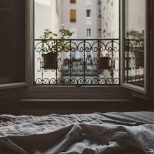 soll bei offenem fenster schlafen creativa