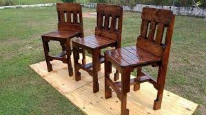 12 Amazing DIY Wooden Pallet Chairs Design