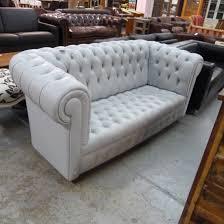 canapé chesterfield canapé chesterfield cuir la salle des ventes du particulier
