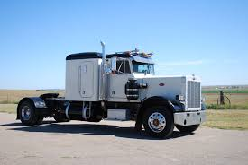 100 359 Peterbilt Show Trucks 1981 Single Axle