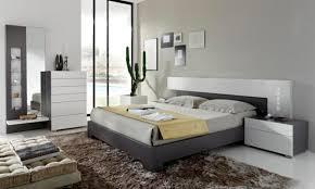 chambre grise et blanc idées déco chambre à coucher en couleurs naturelles plus de 100