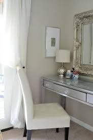 Broadway Lighted Vanity Makeup Desk Uk by Best 25 Small Vanity Table Ideas On Pinterest Small Makeup