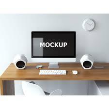 sur le bureau mockup informatique sur le bureau télécharger psd gratuitement