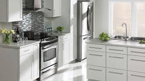 choisir une cuisine choisir ses armoires de cuisine rénovation bricolage