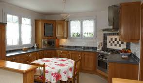cuisine rustique chene créez et aménagez votre cuisine rustique avec cuisines caradec