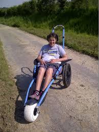 fauteuil tout terrain electrique sepas triste accessibilité à tous