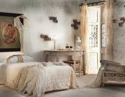romantisches schlafzimmer mit bettdecke bild kaufen