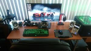 Living Room Pc Gaming Setup – Modern House