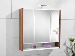 badezimmer spiegelschrank mit beleuchtung schöne ideen