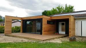 maison en cube moderne extension de maison design en bois à toit plat sur mesure