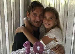 chanel si e social totti e gli auguri alla figlia chanel quando il papà calciatore è