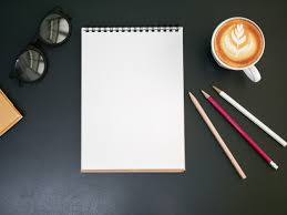 telecharger un bloc note pour le bureau bloc note blanc sur le bureau avec une tasse à café vue de dessus