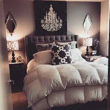 B W Glam Bedroom