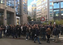 canal plus adresse siege morandini live les salariés de itélé devant le siège de canal plus