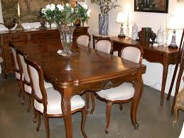 Elegant Dining Table Art From French Room