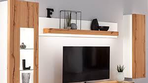 interliving wohnzimmer serie 2103 wandregal mit rückwand und beleuchtung mattweißer lack asteiche ca 211 x 22 cm