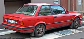 File 1990 1991 BMW 318is E30 2 door sedan 03 Wikimedia mons