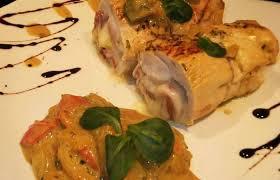 cuisiner des blancs de poulet blanc de poulet roulé au bréséolas et fromage recette dukan conso